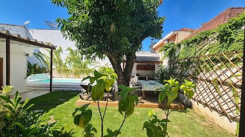 Casa linda com piscina, pronta pro Home Office!
