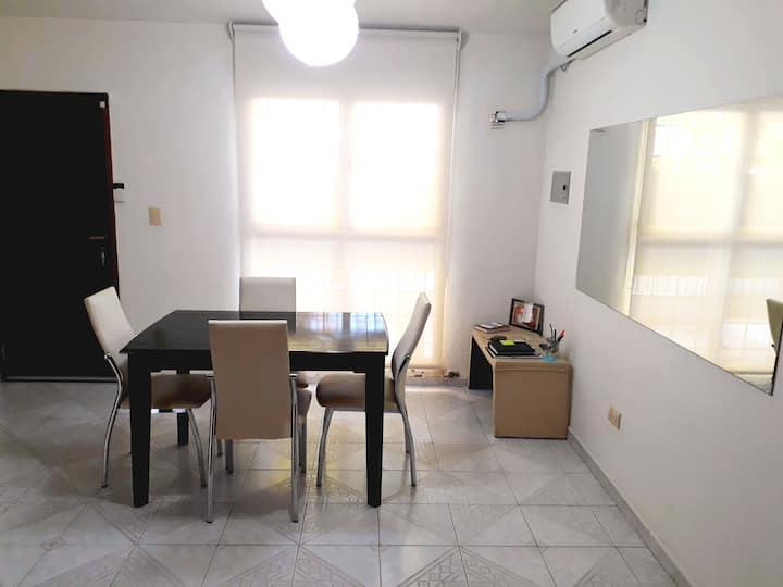 Alojamiento entero/Warm and Quiet House