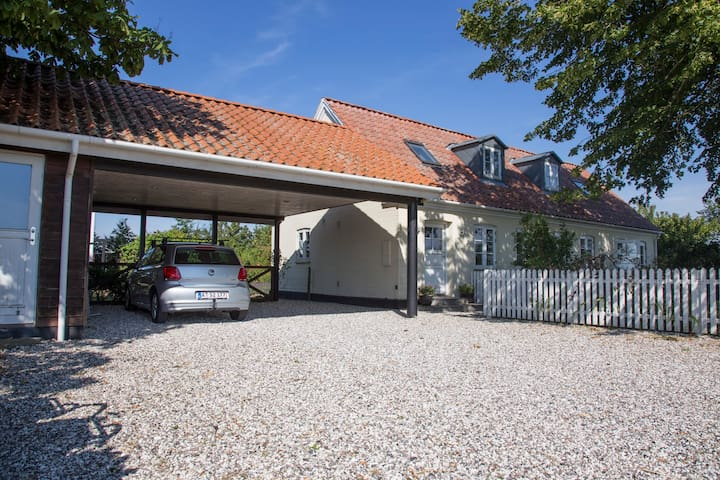 Countryhouse near the sea