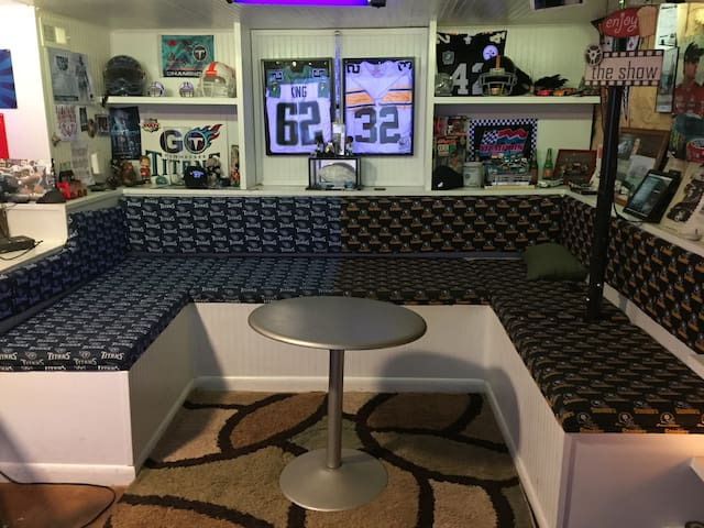 Man Cave Jackson Tennessee : Best man cave ever in nashville tennessee united states
