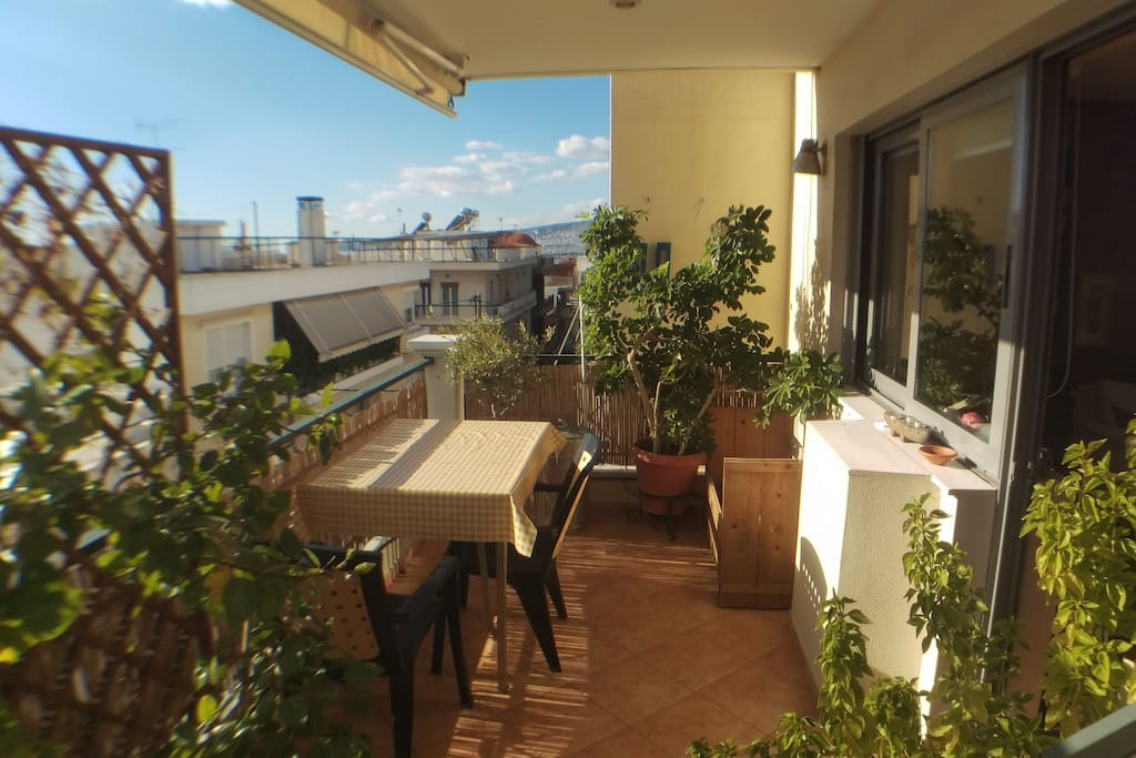 Balcony: Huge balcony which is separated from the spacious living room by sliding doors.
