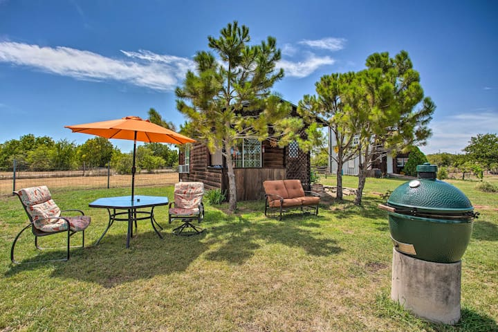 NEW! Peaceful Retreat 20 Mi to Downtown Fort Worth