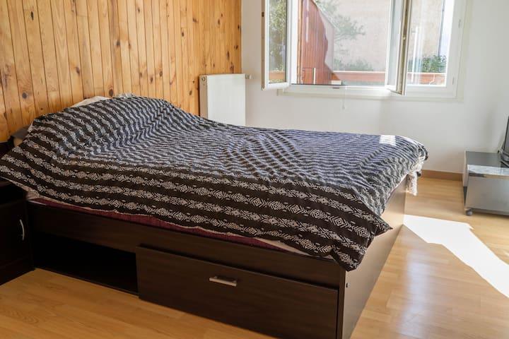 Chambre chez l'habitant - Saint-Pons - Apartment