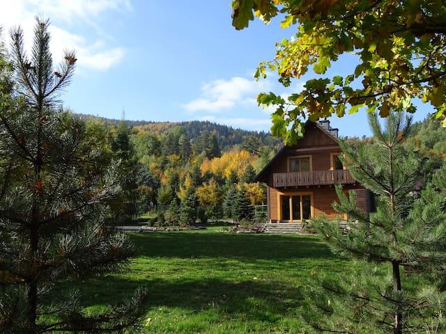 Klimaska - nad górskim potokiem - wadowicki - アパート
