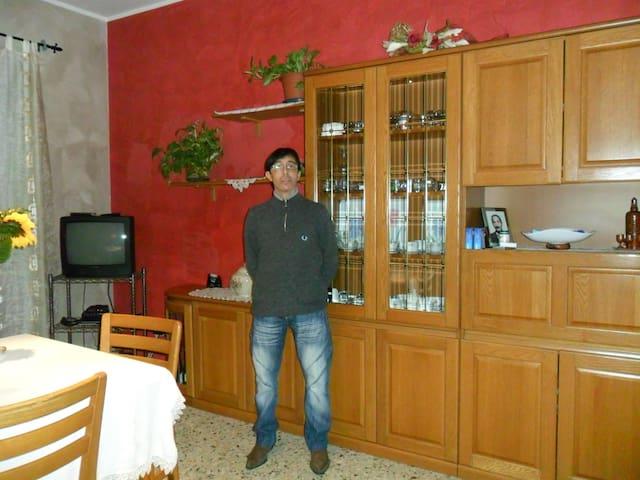 APPARTAMENTO COMPLETO DI TUTTO - Pasta - Apartamento