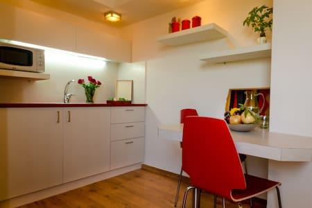 1-3 bdr luxury Zimmer  - יובלים - Bed & Breakfast