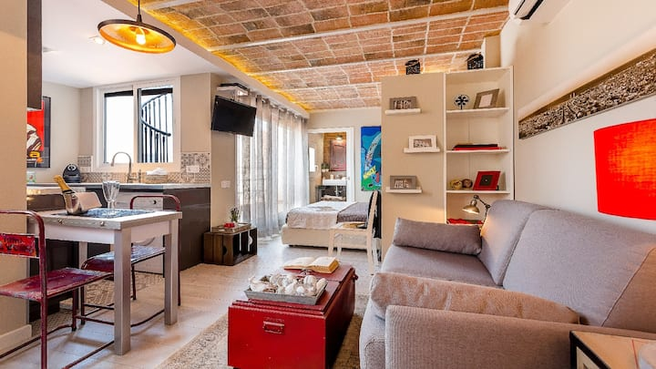 UD Penthouse Vintage Suite with terrace 5.3
