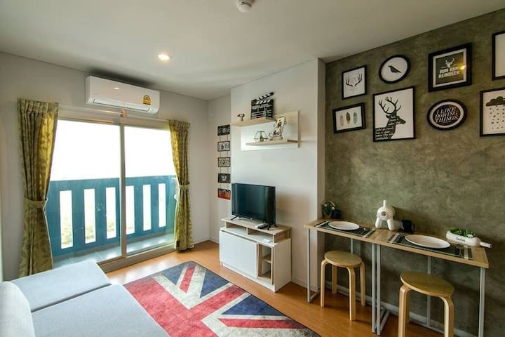 Family Room Condo LPN SeaView 1705​ติดทะเล