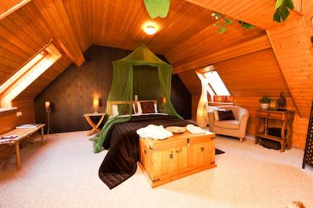 The Lodge Apartment Carriage House - Königstein im Taunus