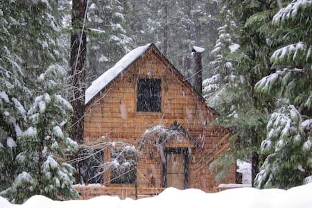 Quaint West Shore Tahoe Cabin  - Tahoma - Sommerhus/hytte