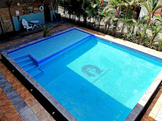 Lizard King Hotel & Suites: 2 Bed A/C Room
