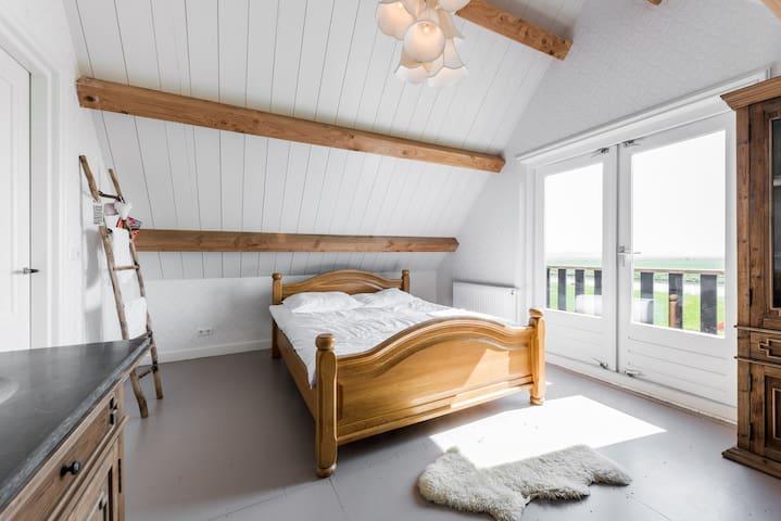 Bed en Bootje - Winkel - Ház