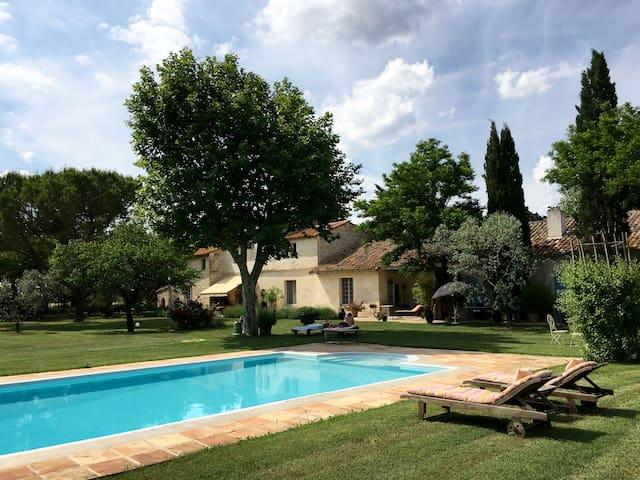 Poulailler Charming Apartment at Mas Antonine - Arles - Huoneisto