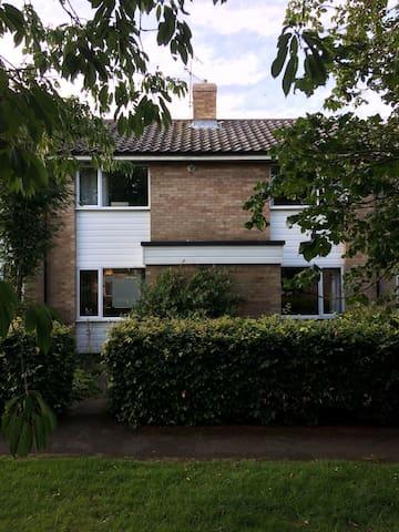 Double room in arty house near Nowton Park