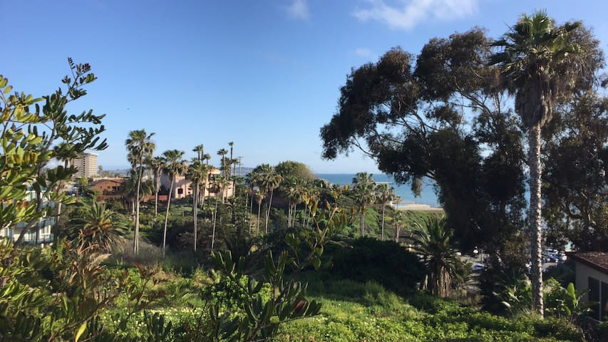 Ocean View in Bird Rock! 1 Block to Beach! - San Diego - Appartement