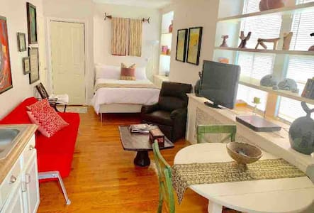 Beautiful Studio in the Heart of Old Town