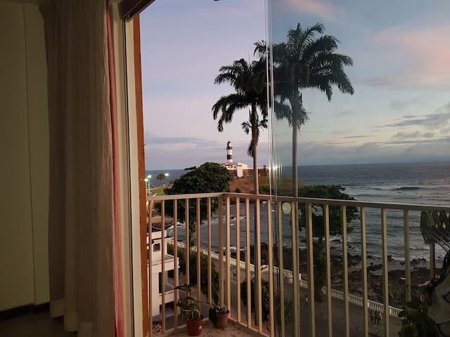 Vista Incrível do Farol da Barra