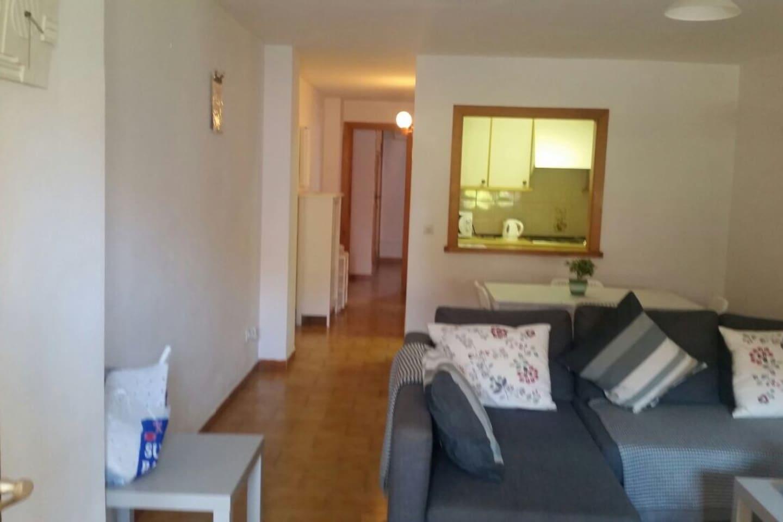 Apartamento Situado Cerca De La Playa Chalets For Rent In Palma  # Muebles Ribadeo