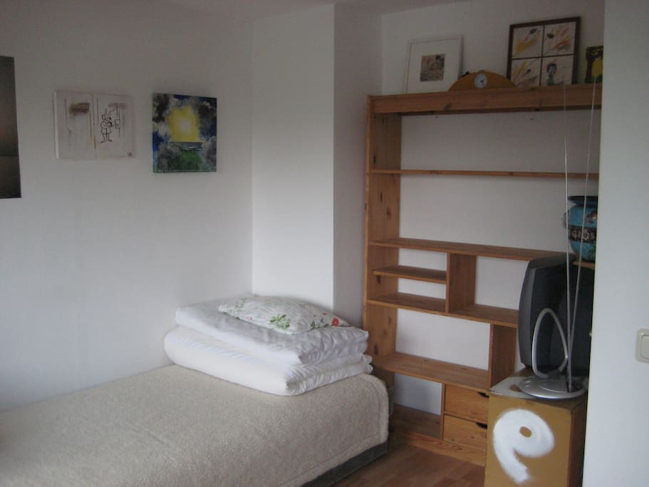 room with 2 beds (upstairs)