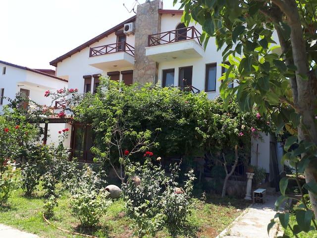 Datça' da Kiralık Yazlık Villa