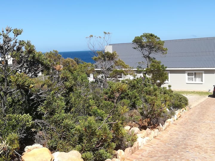 Rooi Els - Spacious with Sea View