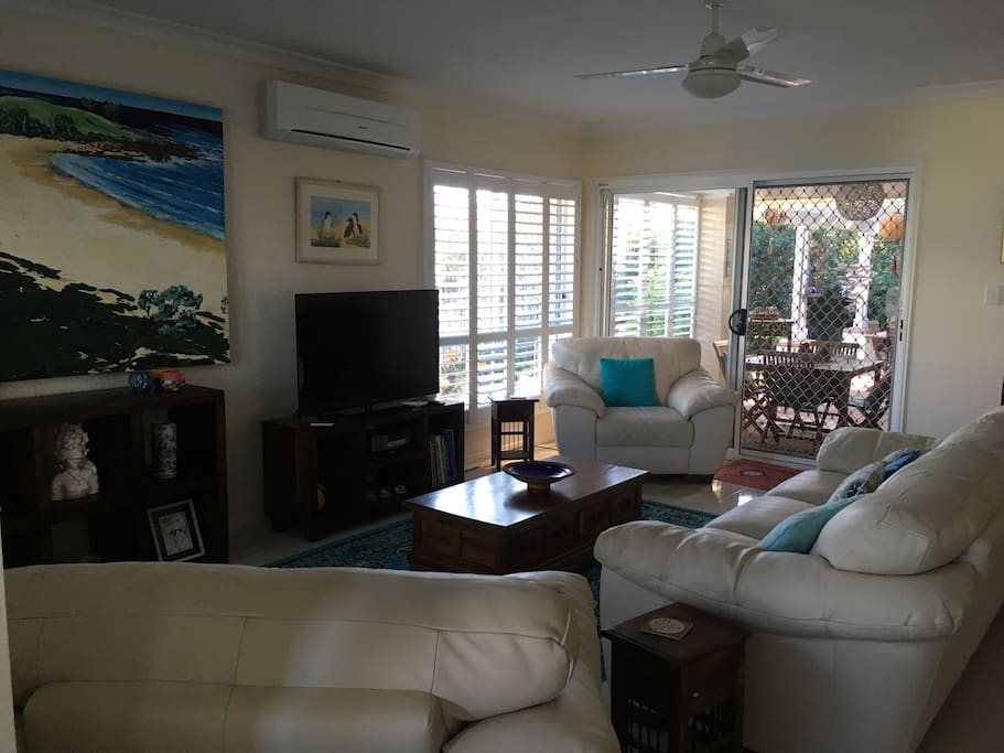 Another view of lounge room