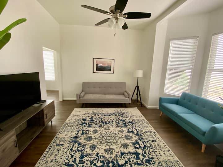 3BR Tilikum View in the heart of Division