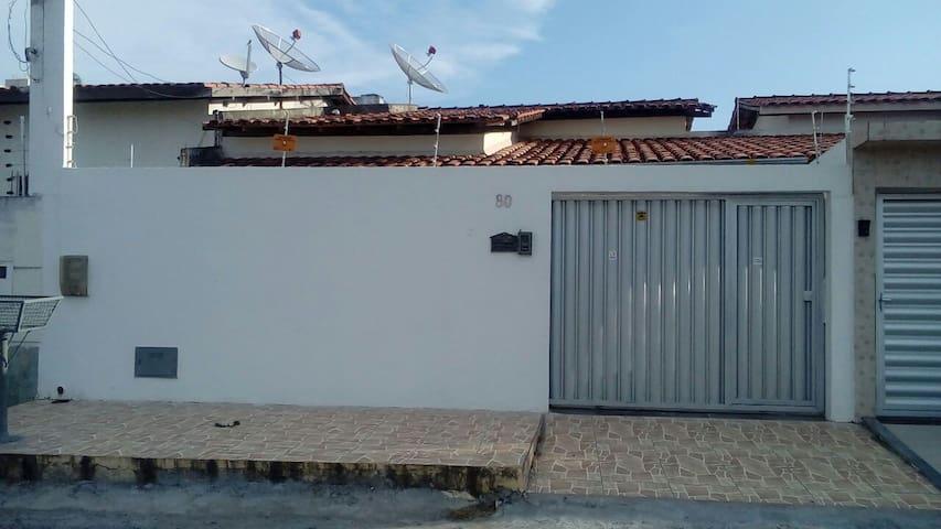 Large house at the midtown - Feira de Santana - House