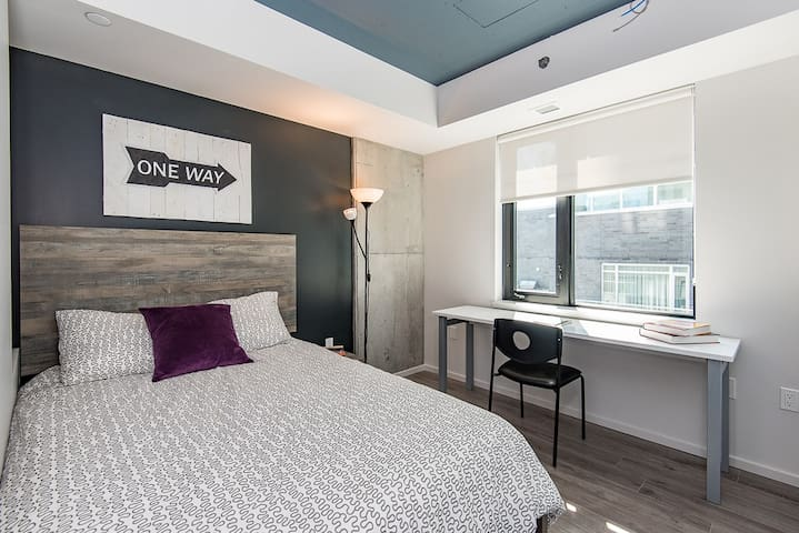 Private Bedroom/Washroom in Little Italy - Ottawa - Apartemen