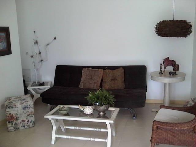 Moderno apartamento, todos los servicios transp. - Sabaneta - Byt