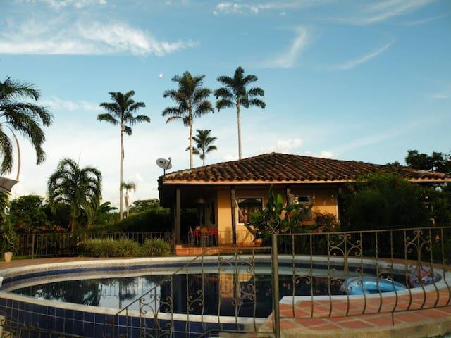 Finca Islaverde ideal para descanso en el Quindío