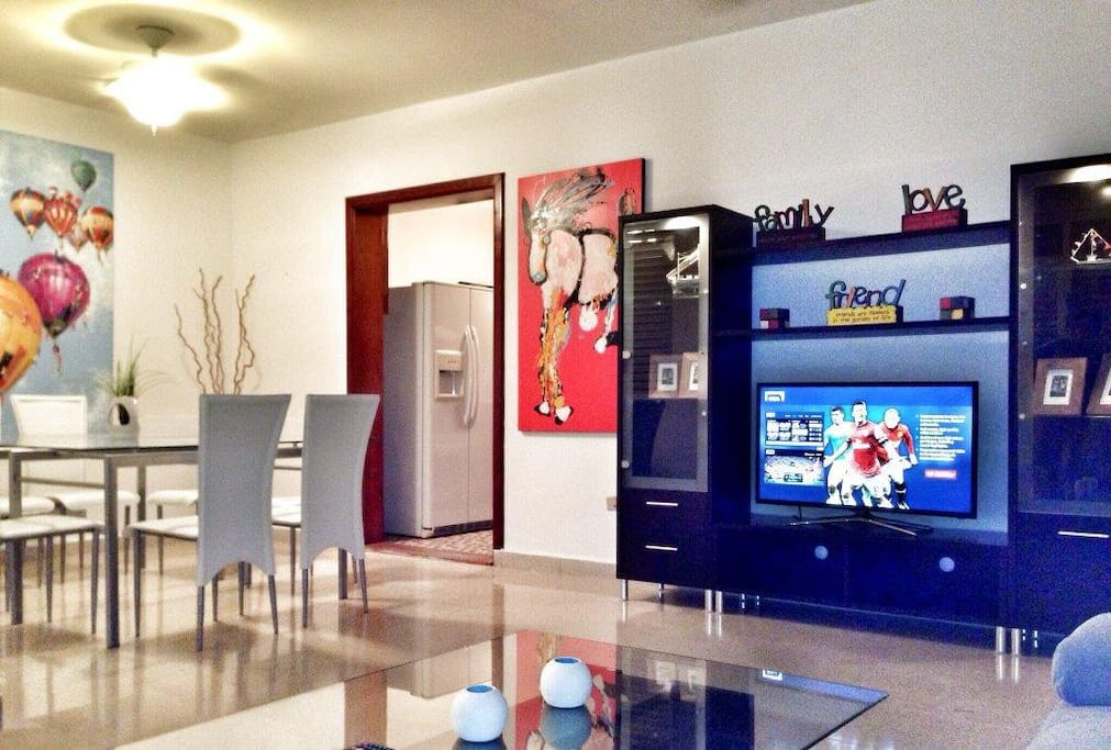 Living area and entertainment center. Wi-Fi and smart TV with Netflix.
