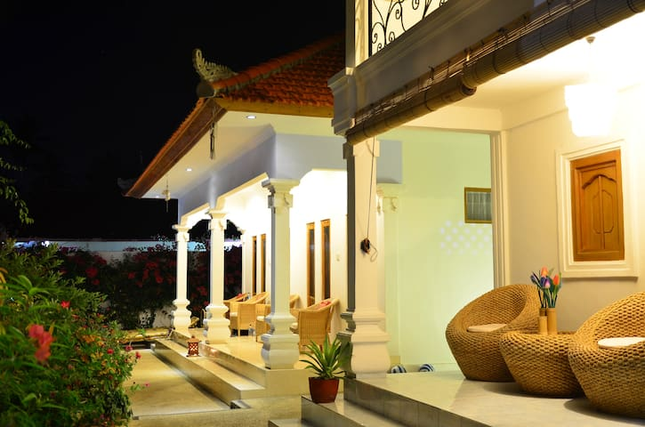 HURRY!!! READ OUR REVIEWS. BOOK NOW!!!!!!