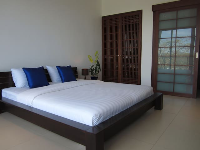 Stylish Sea View Room in Bang Tao Bed&Breakfast - Phuket Thailand