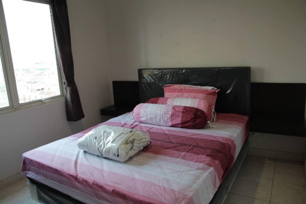 Ranjang ruang tidur utama