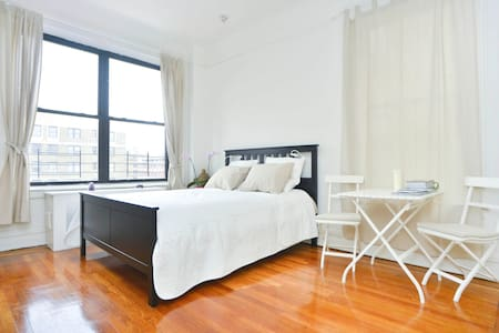 Large bedroom, private bathroom UWS