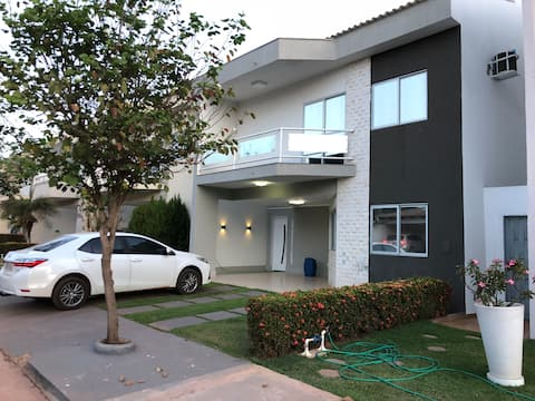 Casa em Condomínio fechado em Cuiabá 6 min centro