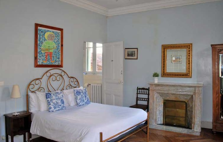 La Grande Maison - La Chambre Bleu - Mazamet - Bed & Breakfast