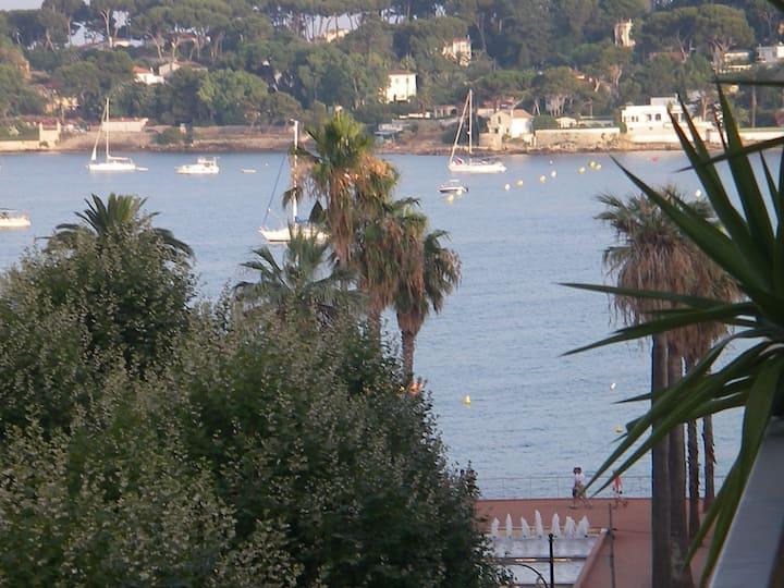 2 rooms sea view near beach