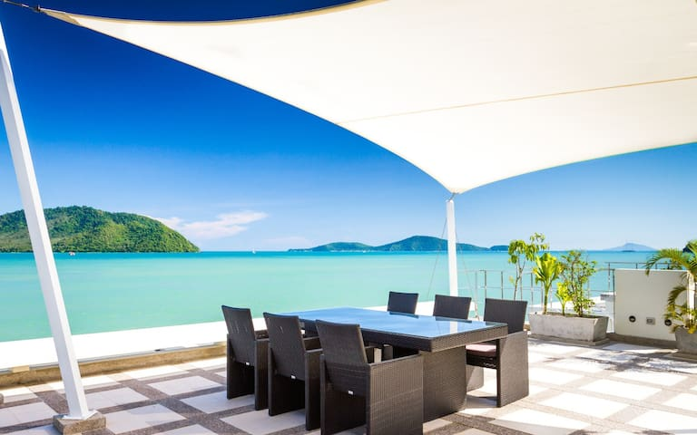 Beach front villa in Rawai - Phuket - Haus
