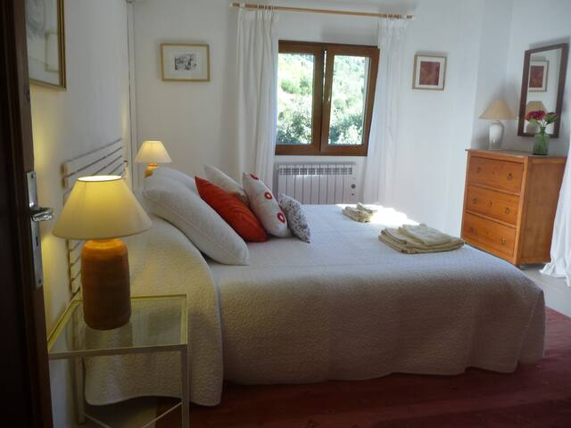 Cottage in attractive surroundings - Valldemossa - House