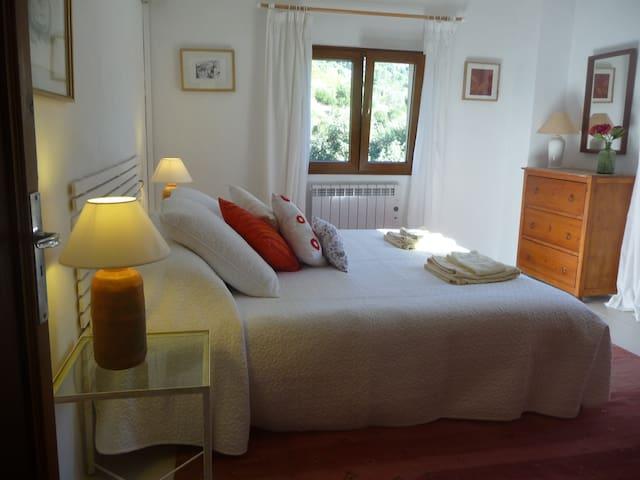 Cottage in attractive surroundings - Valldemossa - Hus