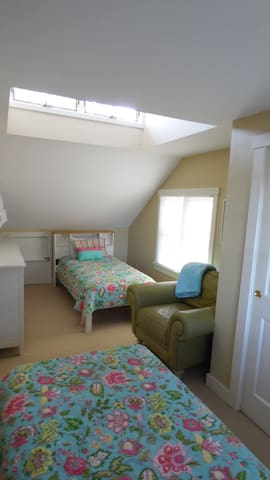 Upstairs Room Two Twin Beds