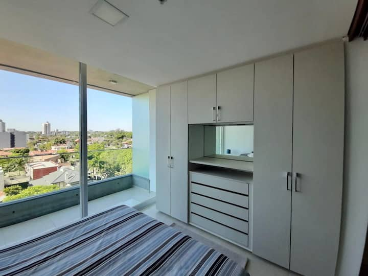Stylish apartment 5 mins to Shopping & WTC & Paseo