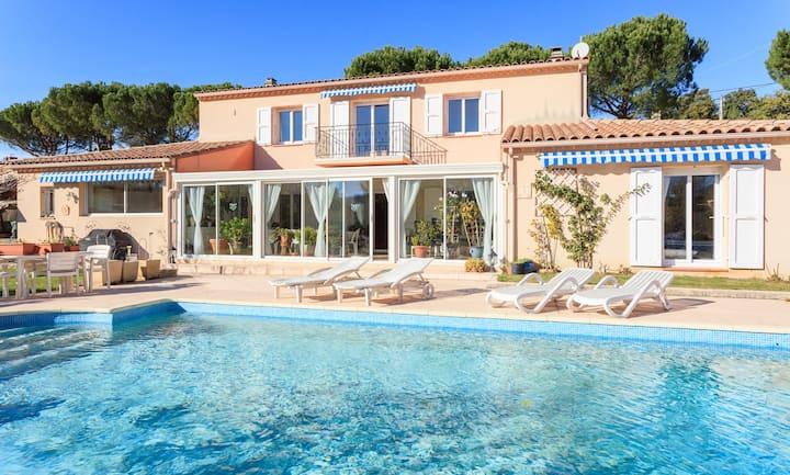 Villa avec piscine et jardin 8 pers