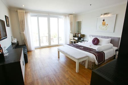 Junior Suite in the shopping area - Hàng Bạc - Bed & Breakfast