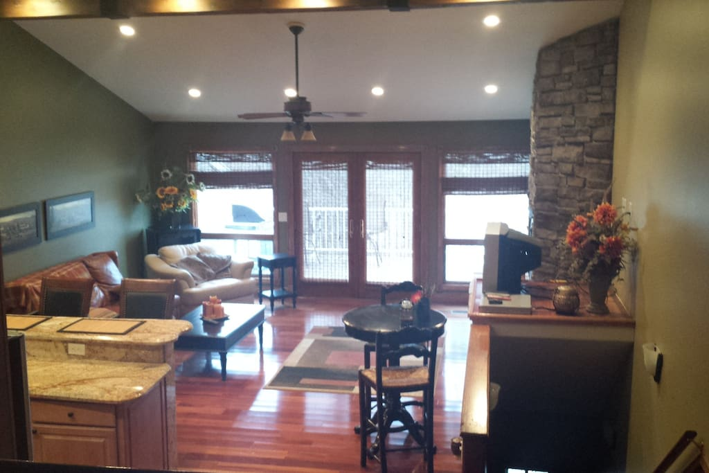 Great Room, Second Floor, Gas fireplace