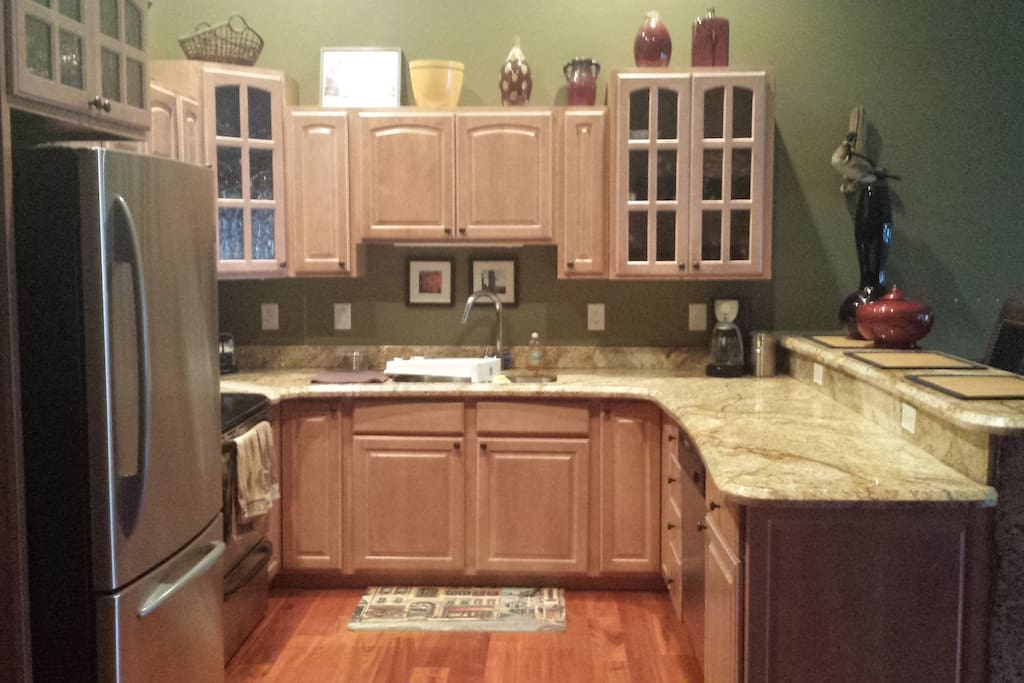 Great Room Kitchen, Granite Countertops, All cooking utensils,Second Floor
