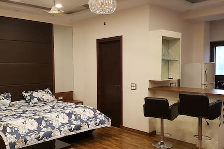 Pvt Studio apartment + office cabin with terrace