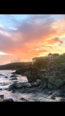 Ocean Side Studio at The Bay View Villa